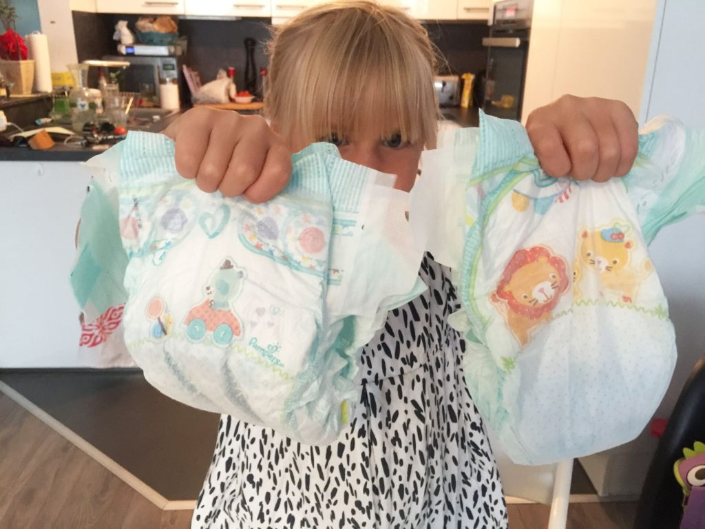 Schuetteltest_Pampers_baby_dry_www.mesupermom.de