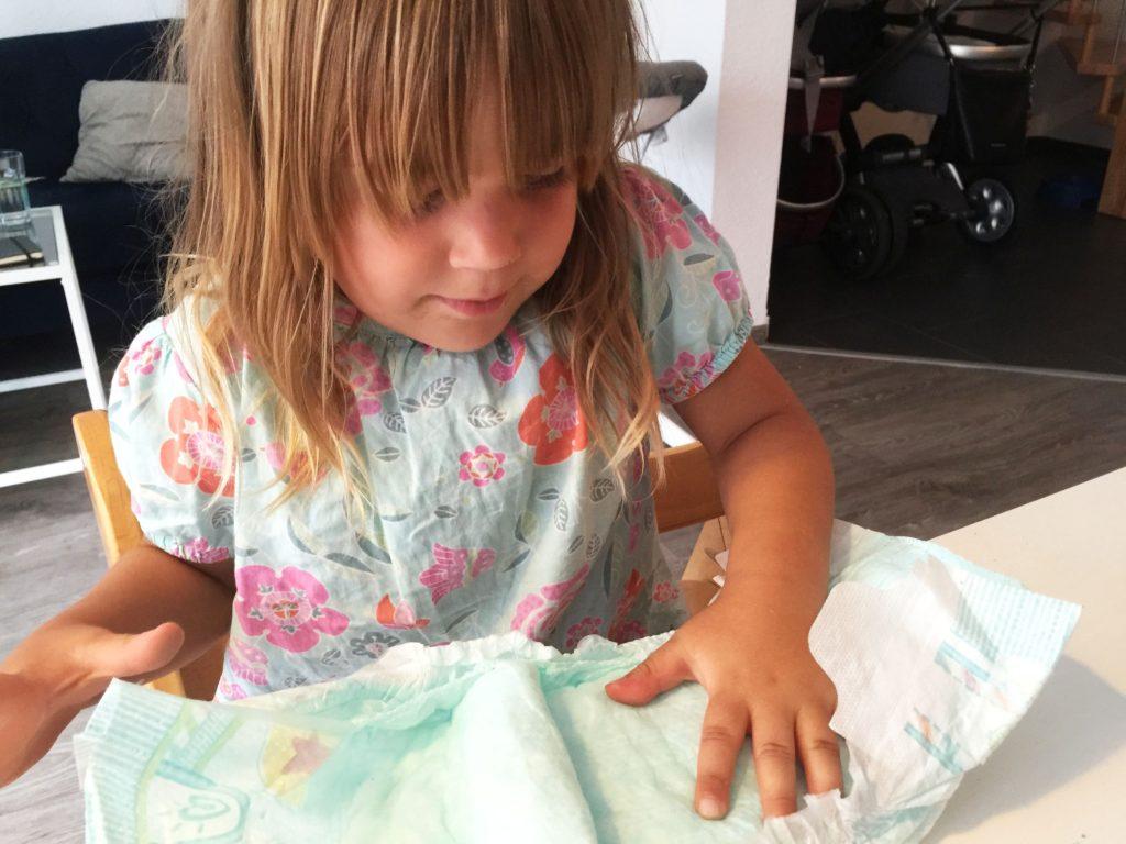 Trockenheitstest_Pampers_Baby_Dry_www.mesupermom.de