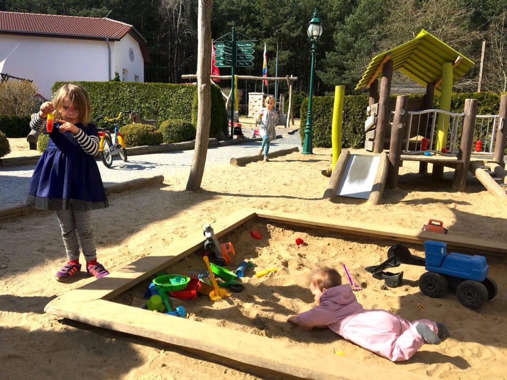 Spielplatz Action www.mesupermom.de