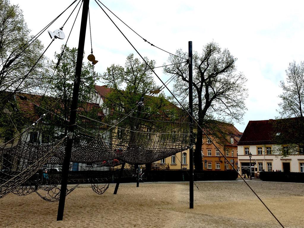 Neuer Markt Neuruppin Spielplatz www.mesupermom.de