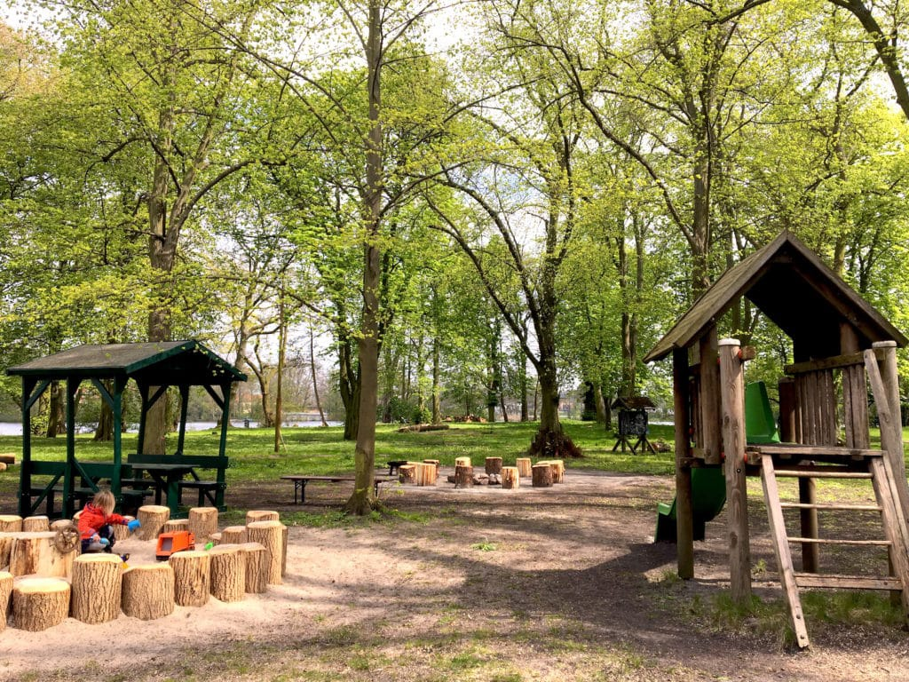Spielplatz Insl www.mesupermom.de