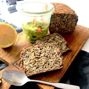 Höchstgenuss mit Whole & Pure Brot und vegetarischem Brotaufstrich