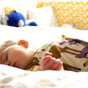 Baby´s Schlaf: Erholsam durch die Nacht mit Pampers Baby-Dry und Lufti, der kleinen Pustewolke