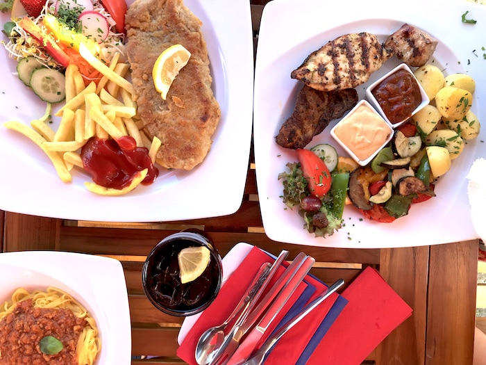 Glamping-Suedseecamp-Restaurant-Erfahrung-Urlaub