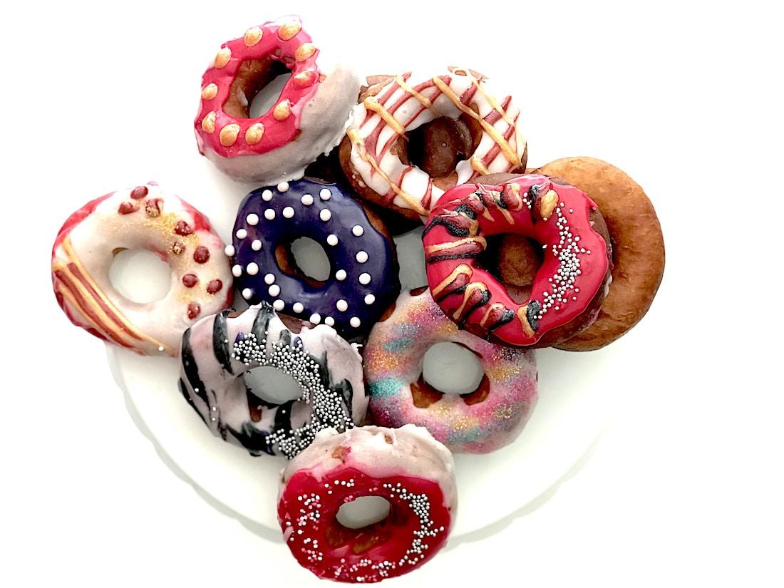 rezept donuts selber machen ganz ohne donut maker. Black Bedroom Furniture Sets. Home Design Ideas
