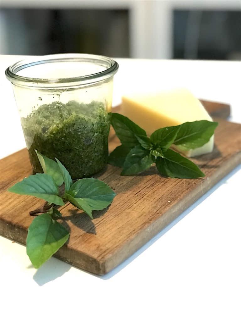 Rezept-Pasta-Basilikum-Mandel-Pesto