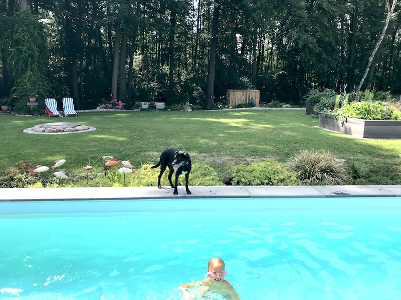 Supermom-Mamablog-Pool