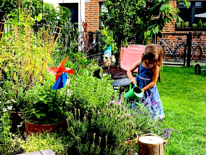 Supermom_Mamablog_Waessern Garten