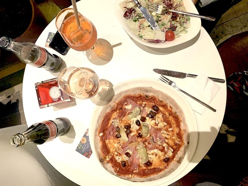 Supermom_mamablog_Pizza Restaurant