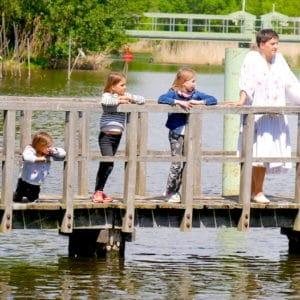 Ein ganzes Karussell voller Kinder – Gedanken zum Kindertag in Kackorana Zeiten