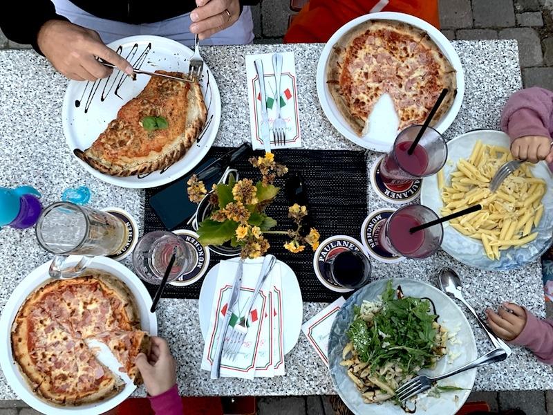 Supermom_Mamablog_Ostsee_Nienhagen_Pizza