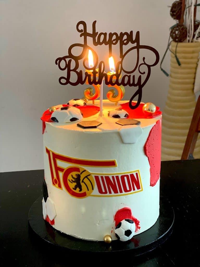Supermom_Mamablog_Geburtstagstorte_FC Union