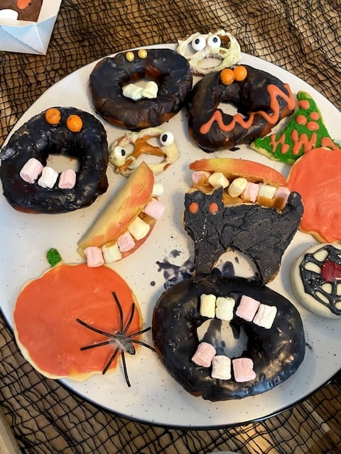 Supermom_Mamablog_Halloween_Donuts_Kekse